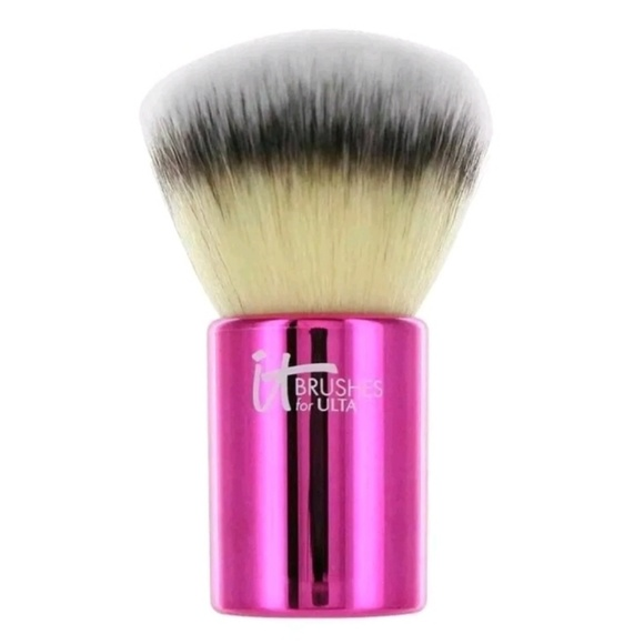 Other - IT COSMETICS Your Must-Have Kabuki Brush Travel Si